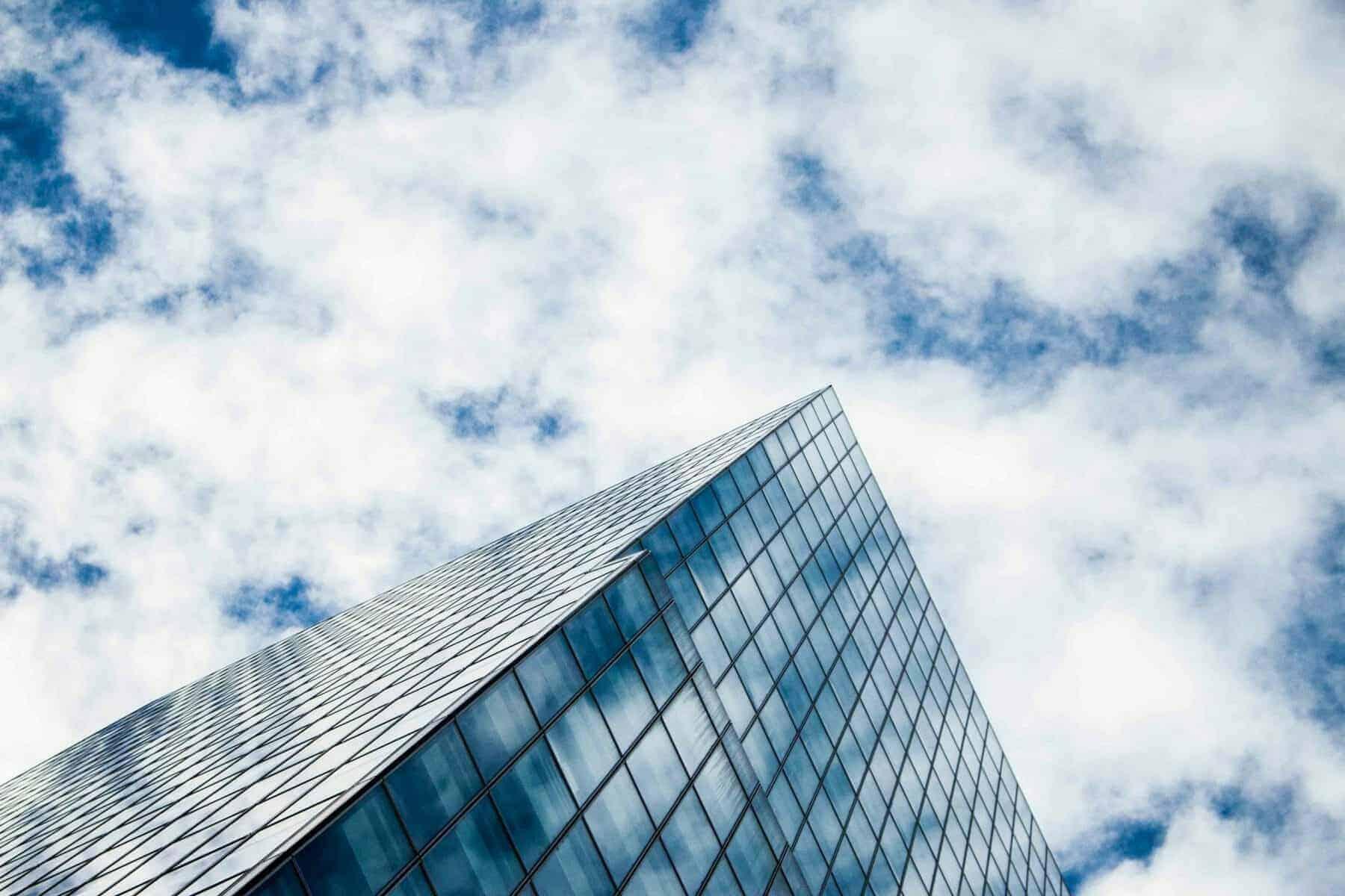 din-bolighandel-prisforhandling-skys-the-limit